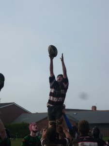 Robert Donoghue wins a great lineout !